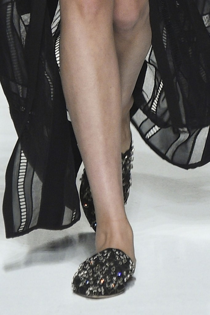 slideshow-spring-2016-shoes-14-spring-2016-shoe-trends-slippers-ermano-scervino-main